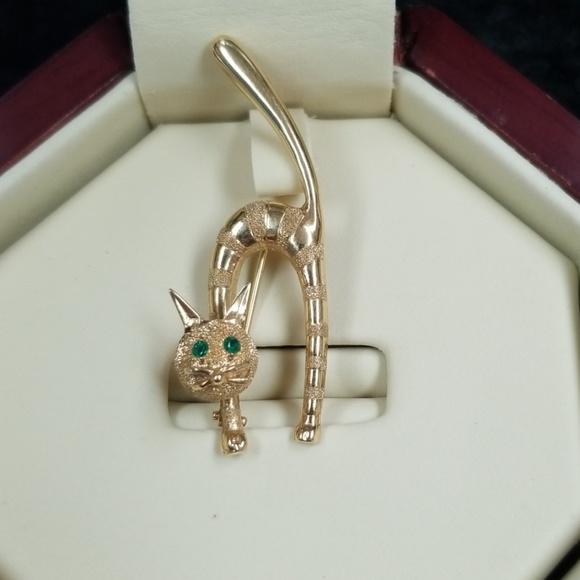 Vintage Jewelry - Vintage 14k gold cat brooch